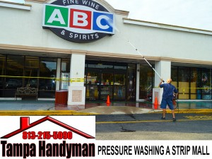 Handyman-pressure-washing-strip-mall (Commercial Handyman Service)